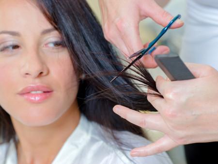 Damessnit + Brushing lang haar + Haar wassen (verzorgende shampoo)