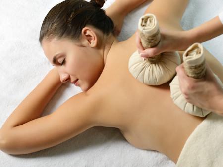6 keer Kruidenstempel massage 55min