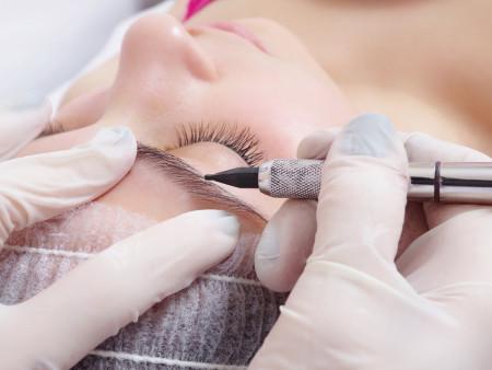 Permanente make-up wenkbrauwen microblading