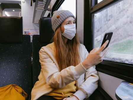 Maskné door het dragen van een mondkapje