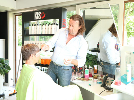 Make-over Hairstyling At Timco`s te Genk